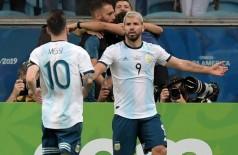 Messi e Agüero formam o trio de ataque argentino com Lautaro Martinez - Foto: CARL DE SOUZA / AFP
