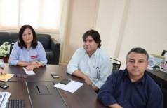 Délia Razuk com secretários ao anunciar contenção de gastos em maio; salário de servidores vai atrasar (Foto: A. Frota/Divulgação)