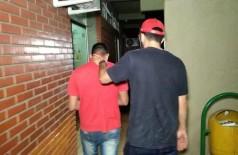 Padrasto da criança teve prisão em flagrante convertida para preventiva (Foto: Adilson Domingos)