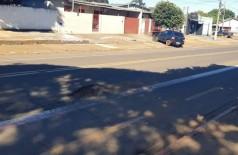 Motorista disse que capotou após passar em buraco e perder o controle (Foto: Ailson Souza/94FM)