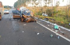 Os dois veículos bateram de frente. Fotos: MS News