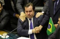Rodrigo Maia se emociona durante comemoração da aprovação do texto-base da reforma da Previdência - Foto: Rodrigues Pozzebom/Agência Brasil