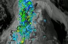 Imensa nuvem de formigas voadoras sobre o Reino Unido é vista do espaço Foto: Reprodução/Twitter(Met Office)