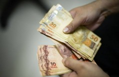 Aprovada em comissão, LDO prevê salário mínimo de R$ 1.040 em 2020 (Foto: Arquivo/Agência Brasil)