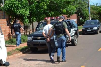 Autores foram presos e conduzidos até a Delegacia de Pronto Atendimento Comunitário de Dourados (Foto: Divulgação/Polícia Civil)
