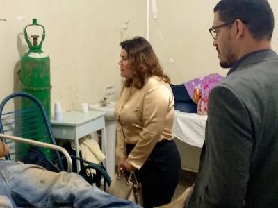 Defensora pública Mariza Fátima Gonçalves durante visita ao Hospital da Vida em Dourados (Foto: Divulgação)