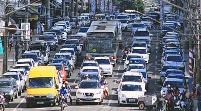 O condutor que for flagrado com o licenciamento em atraso terá que pagar multa  e receberá sete pontos na carteira de habilitação -Foto: Detran-MS