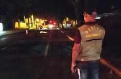 Acidente aconteceu por volta das 3h50, na Avenida Hayel Bon Faker esquina com a Rua Izzat Bussuan (Foto:  Sidnei Bronka)