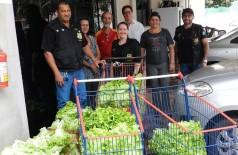 Equipe da PED realizando a doação ao Lar Santa Rita