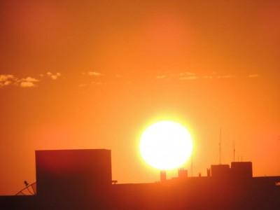No domingo, a temperatura máxima prevista é de 41°C - Foto: Karol Chicoski/94FM