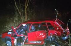 Veículo ficou destruído após colisão na rodovia. (Foto: Batalhão de Trânsito da Polícia Militar)