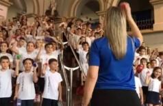 Professores montam coral de música do Guns N' Roses com crianças em escola de SP; assista