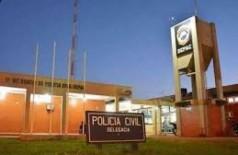 Dupla em moto assalta mulher na saída de farmácia em Dourados