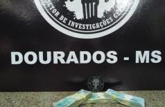 Dinheiro apreendido com os acusados - Foto: divulgação/PC