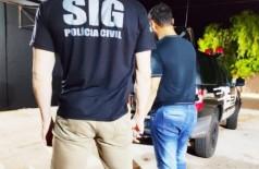 Homem por preso em flagrante e encaminhado à delegacia da cidade. (Foto: Divulgação/Polícia Civil)