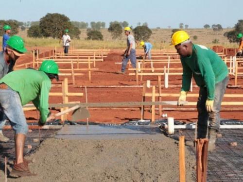 Bases de 42,56 m² terão capacidade para edificação de uma casa de dois quartos, sala, cozinha e banheiro (Foto: Divulgação)