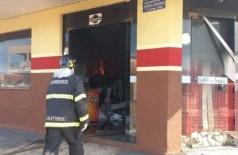 Prejuízo chega a R$ 3 milhões em mercado destruído por incêndio (Foto: Imagem: Márcio Rogério / Nova News)