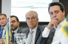 Reinaldo Azambuja cobrou do ministro criação de um fundo de ressarcimento aos estados (Foto:  Edson Leal