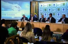 O ministro da Saúde, Luiz Henrique Mandetta, confirma em entrevista o primeiro caso de um brasileiro infectado pelo novo coronavírus (Foto: José Cruz/Agência Brasil)