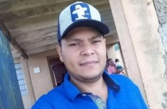 O paraguaio Erasmo Ortiz foi morto a tiros de pistola em bar na fronteira (Foto: Capitán Bado.com)