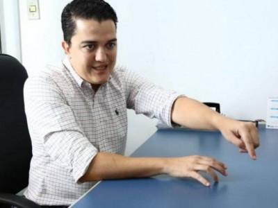 Médico concursado do município, ex-secretário de Saúde argumentou que vai atender população na luta contra o Covid-19 (Foto: Divulgação)