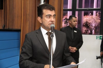 Pedido do deputado foi feito ao governador Reinaldo Azambuja (Foto: Luciana Nassar)