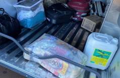 Droga estava escondida em cesta básica (Foto: Sidnei Bronka)