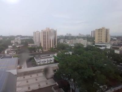 Após chuva de 15 milímetros, temperatura começou a cair em Dourados (Foto: André Bento/Arquivo)