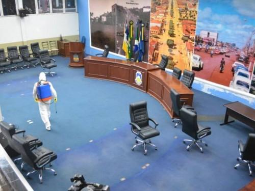 A 4ª Brigada de Cavalaria do Exército Brasileiro realizou a desinfecção de todas as dependências da sede -Foto: Câmara Municipal