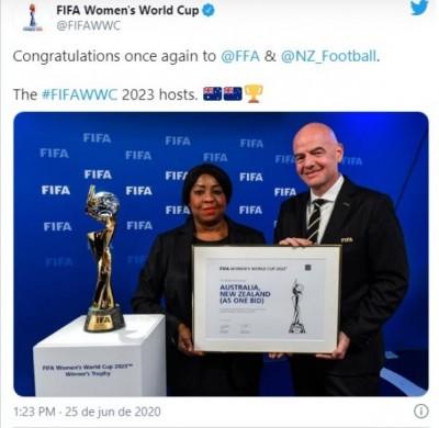 Em publicação no Twitter, Fifa parabenizou os países escolhidos (Foto: Reprodução)