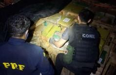 Droga foi apreendida em carreta - foto: PRF
