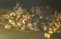 O caminhoneiro foi socorrido com vida e encaminhado ao Hospital.  - Foto: Da Hora Bataguassu