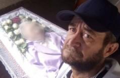 Filho que velou mãe sozinho e recebeu vaquinha morre em incêndio (Foto: reprodução/Facebook)