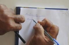 Taxa cai levemente, mas Brasil ainda tem 11 milhões de analfabetos (Foto: Arquivo/Agência Brasil)