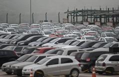 Foram comercializados 134,9 mil carros, contra 195,8 em julho passado (Foto: Marcelo Camargo/Agência Brasil)
