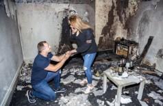 Homem inova ao pedir mulher em casamento e incendeia o apartamento (Foto: reprodução)