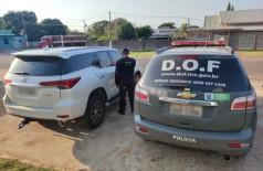 Proprietária da camionete foi mantida em cárcere privado por dois sequestradores, juntamente com mais três pessoas da família (Foto: Divulgação/DOF)