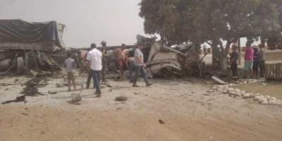Veículos ficaram destruídos - Foto: Capitan Bado