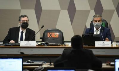 No Senado, ministro esclareceu polêmica sobre a Venezuela (Foto: Edilson Rodrigues/Agência Senado)