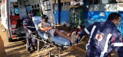 Homem foi encaminhado ao Hospital da Vida - Foto: Sidnei Bronka