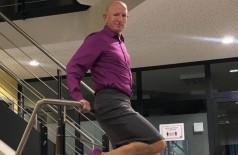 Mark Bryan se descreve como um 'cara hetero que incorpora saltos altos e saias em meu guarda-roupa diário' (Foto: Reprodução/Instagram)
