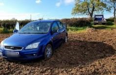 Carro atolado em lamaçal na Inglaterra Foto: Reprodução/Facebook(Campbells Recovery)