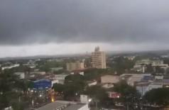 Chuva cai sobre Dourados desde a madrugada (Foto: Arquivo/94FM)