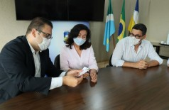 Prefeita Délia recebeu Alan Guedes, Guto Ferreira e o coordenador da campanha vencedora Henrique Sartori, na manhã desta quarta-feira(Foto: A. Frota)