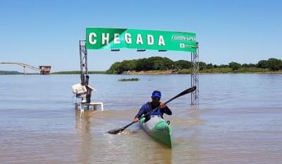 Atletas de sete estados participaram da competição no Rio Paraguai, em Corumbá (Foto: Lucas Castro/Fundesporte)