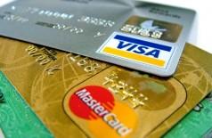 Idosa cai em golpe do cartão e perde R$ 17 mil para estelionatário