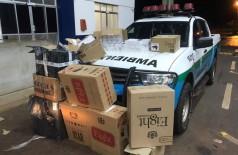 Caixas onde estavam os produtos contrabandeados — Foto: PMA/Divulgação
