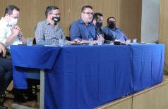 Primeiro decreto do prefeito Alan Guedes com regras de biossegurança da pandemia foi assinado hoje (Foto: André Bento)