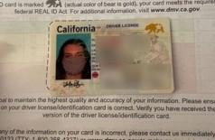 Lesley Pilgrim recebeu carteira de motorista com foto de máscara (Foto: Arquivo pessoal)