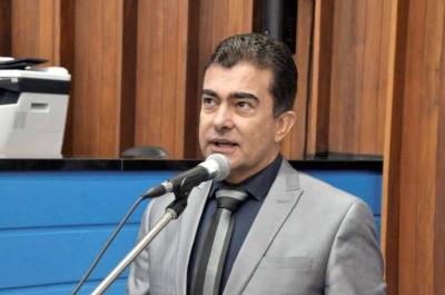 Marçal Filho justifica que a medida tem como objetivo auxiliar na diminuição dos efeitos negativos, econômicos e sociais, oriundos da situação emergencial